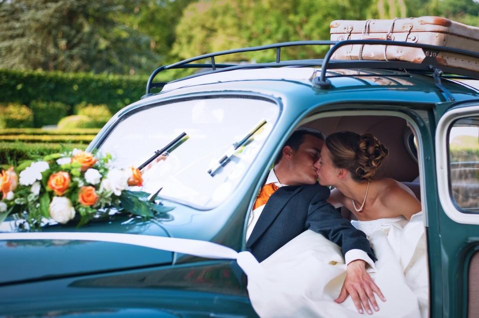 _005_WEDDING_PHOTOGRAPHER_VINTAGE_CAR